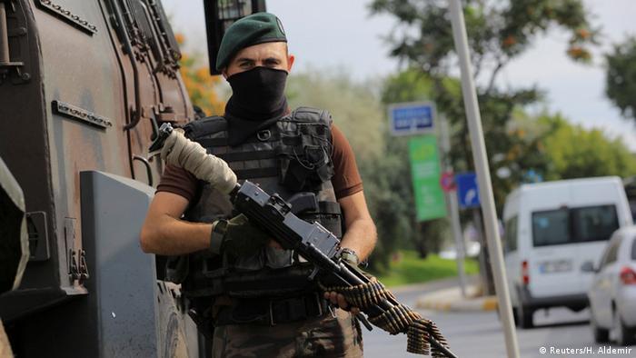 Турецький спецназівець у Стамбулі