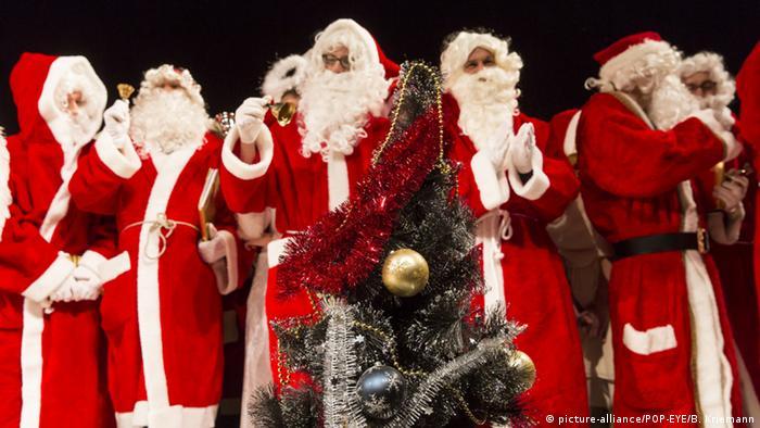 Berlin Jahresvollversammlung der Berliner Weihnachtmaenner
