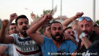 Manifestantes na Turquiapediram a reintrodução da pena de morte
