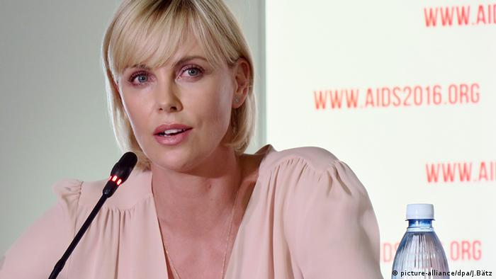 Charlize Theron Welt AIDS Konferenz in Durban (picture-alliance/dpa/J.Bätz)