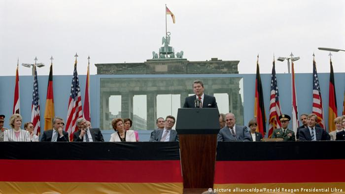 US-Präsident Ronald Reagan in West-Berlin 1987, Copyright: picture alliance/dpa/Ronald Reagan Presidential Library