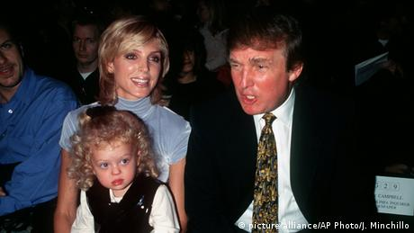 Donald Trump mit damaliger Ehefrau Marla und Tochter Tiffany (picture alliance/AP Photo/J. Minchillo)