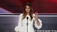 18.07.2016 CLEVELAND, OH - JULY 18: Melania Trump, wife of Presumptive Republican presidential nominee Donald Trump, waves to the crowd after delivering a speech on the first day of the Republican National Convention on July 18, 2016 at the Quicken Loans Arena in Cleveland, Ohio. An estimated 50,000 people are expected in Cleveland, including hundreds of protesters and members of the media. The four-day Republican National Convention kicks off on July 18. (Photo by Alex Wong/Getty Images) (c) Getty Images/A. Wong