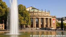 Archiv Opernhaus des Staatstheater im Schlossgarten in Stuttgart, Baden-Wuerttemberg, Deutschland | Verwendung weltweit (c) picture-alliance/dpa/P. Schickert