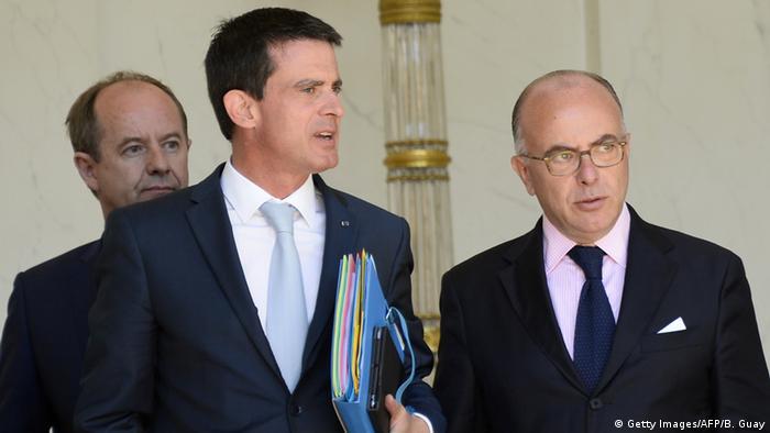 Frankreich Premierminister Valls mit Innenminister Cazeneuve nach Kabinettssitzung