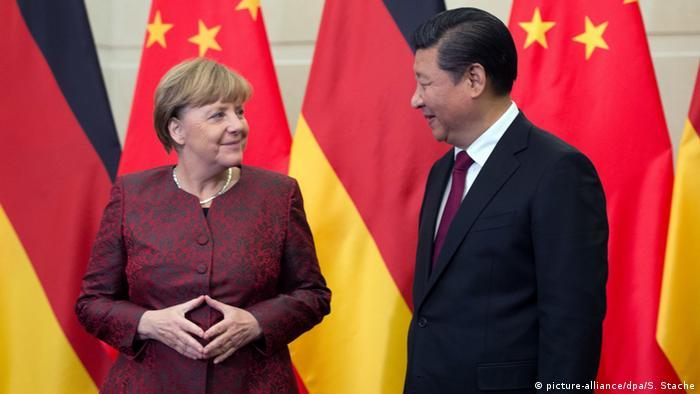 Symbolbild Angela Merkel Raute