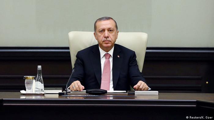 Эрдоган объявляет чрезвычайное положение