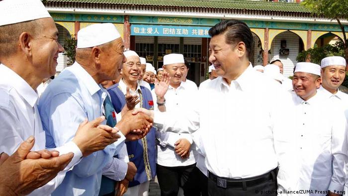 Chinas Präsident XI Jinping besucht Moschee in Yinchuan, Ningxia Hui (picture-alliance/ZUMA Press/J. Peng)