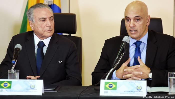 Michel Temer ao lado de Alexandre de Moraes
