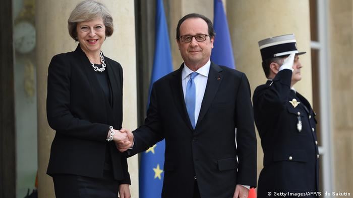 François Hollande e Theresa May em Paris
