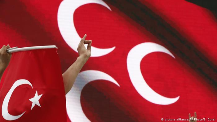 MHP'deki 'Evet-Hayır' çekişmesi oylara nasıl yansıyacak?