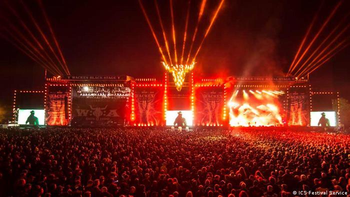 Deutschland Wacken Open Air - Hauptbühne bei Nacht