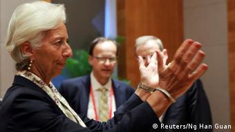 Για να συμμετάσχει το ΔΝΤ χρηματοδοτικά στο ελληνικό πρόγραμμα αυτό πρέπει να είναι «συμπαγές» και το χρέος βιώσιμο, τόνισε η Κριστίν Λαγκάρντ