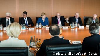 Gewalttat in München Bundeskanzlerin Angela Merkel trifft Minister und Chefs der Sicherheitsbehörden