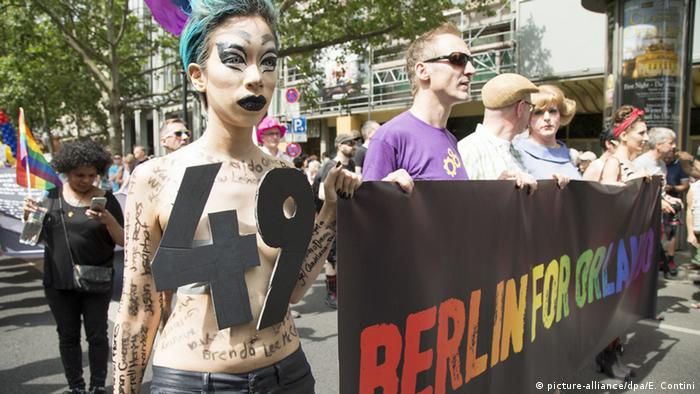 Christopher Street Day in Berlin (picture-alliance/dpa/E. Contini)