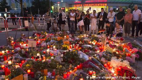 Nach Amoklauf am Olympia Einkaufszentrum in München Trauer