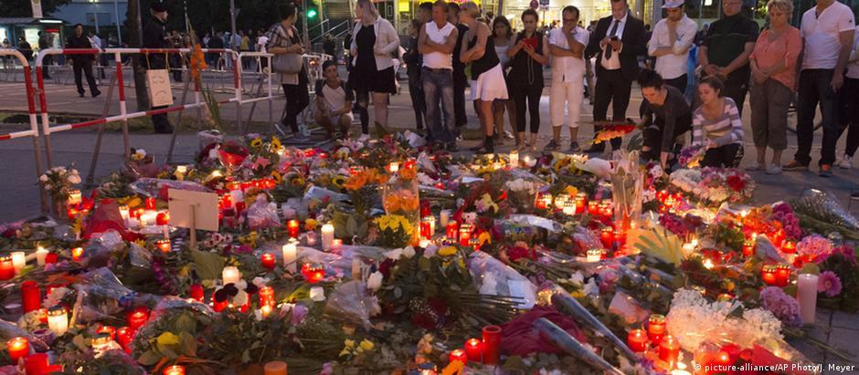 Homenagem às vítimas em Munique: atirador passou por tratamento psiquiátrico e tinha a fascinação por assassinatos
