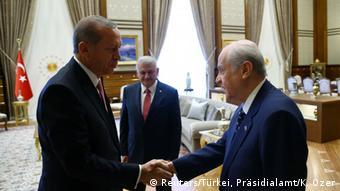 Türkei Erdogan trifft Vertreter der Parteien in Ankara