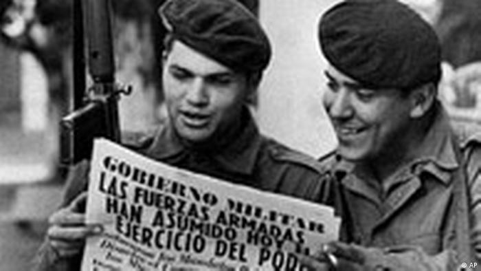 Militärputsch in Argentinien 1976 (AP)