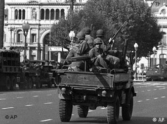 ¿Vuelve la guerra sucia a las calles argentinas? (Archivo)