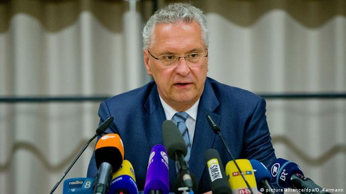 Deutschland Ansbach Explosion Pressekonferenz Innenminister von Bayern Joachim Herrmann