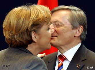 المستشارة الالمانية ميركل والمستشار النمساوي شوسل