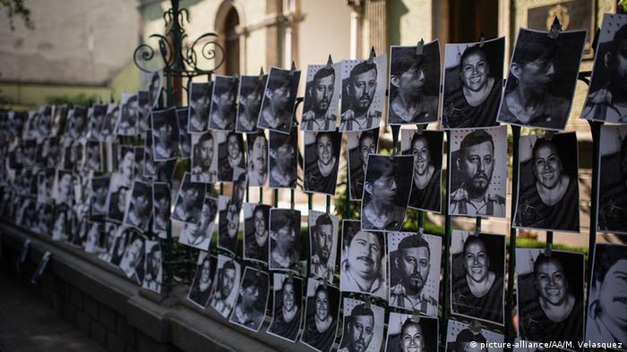 Protesta contra periodistas asesinados en México.