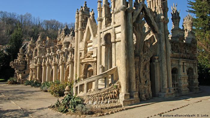 Франция: Идеальный дворец Шеваля