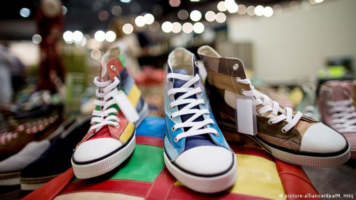 Converse shoes at the GDS shoe fair in Dusseldorf 2016, Copyright: picture-alliance/dpa/M. Hitij