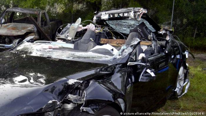 Tesla crash in Florida