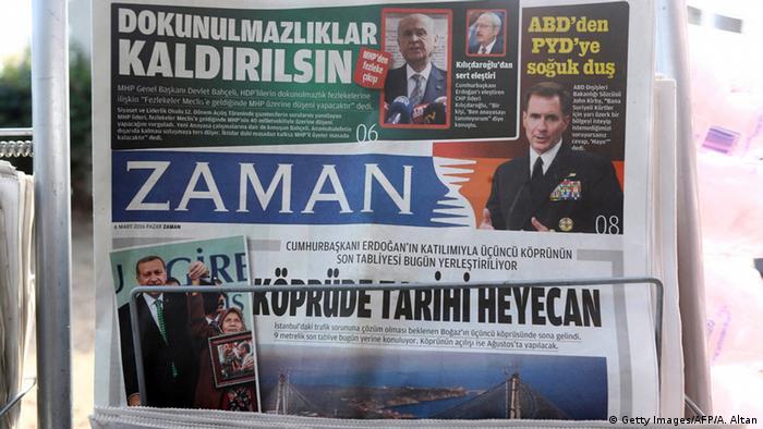 Türkei Titelseite der Zeitung Zaman
