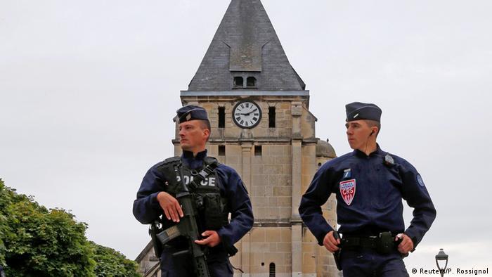 Police in Rouen (photo: Reuters/P. Rossignol)