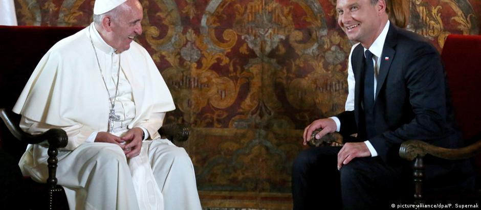 O papa Francisco e o presidente da Polônia, Andrzej Duda, durante encontro em Cracóvia