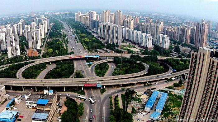China Stadt Tangshan (picture-alliancePhotoshot/Y. Shiyao)