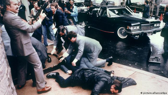 USA Attentat auf Präsident Ronald Reagan 1981 (picture-alliance/dpa)