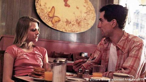 Scene from Taxi Driver with Robert De Niro and Jodie Foster (Photo: picture-alliance/United Archives/IFTN)