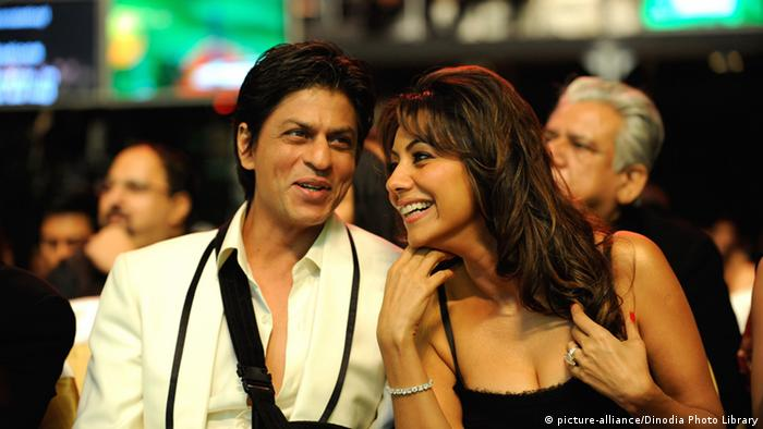 Bollywood Schauspieler Shah Rukh Khan mit Frau Gauri (picture-alliance/Dinodia Photo Library)