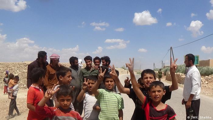 Syrien Zivilisten in Manbij