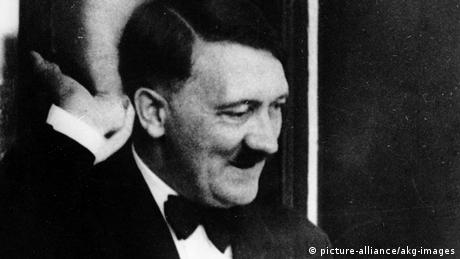 Hitler in Bayreuth (picture-alliance/akg-images)