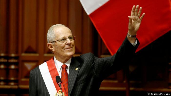 Pedro Pablo Kuczynski juró como presidente de Perú en reemplazo de Ollanta Humala