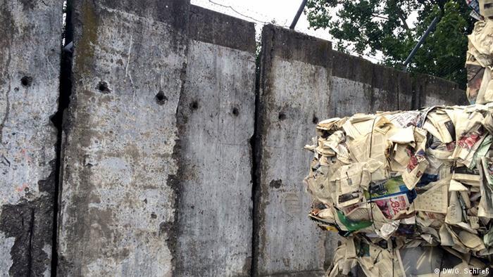 The Berlin Wall in the trash, Copyright: DW/G. Schließ