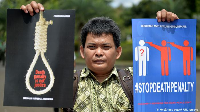 Indonesien Todesstrafe Portest (Getty Images/AFP/B. Ismoyo)