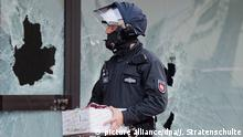 Die Polizei beschlagnahmt Material des Vereins, der als Hot-Spot der Salafistenszene gilt