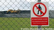July 28, 2016*** Hinkley Point nuclear power station plans. Excavators move earth near to the proposed site of Hinkley Point C Nuclear power station Picture date: Thursday July 28, 2016. See PA story ENERGY Nuclear. Photo credit should read: Andrew Matthews/PA Wire URN:28179418 | picture alliance/empics/A. Matthews