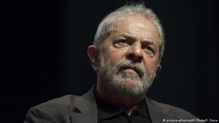 Brasilien - Porträtbild Luiz Inacio Lula da Silva (picture-alliance/AP Photo/F. Dana)