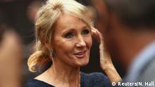 30.07.2016 Author J.K. Rowling speaks to media as she arrives at a gala performance of the play Harry Potter and the Cursed Child parts One and Two, in London, Britain July 30, 2016. REUTERS/Neil Hall Copyright: Reuters/N. Hall