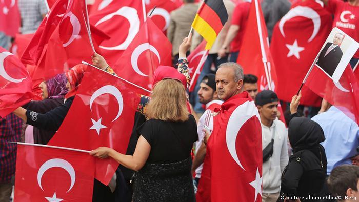 Deutschland Köln Pro-Erdogan-Demonstration