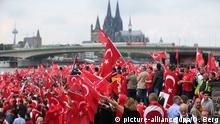 Deutschland Pro-Erdogan-Demonstration in Köln