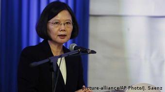 Paraguay Präsidentin Tsai Ing-wen Entschuldigung bei indigenen Bevölkerung (picture-alliance/AP Photo/J. Saenz)