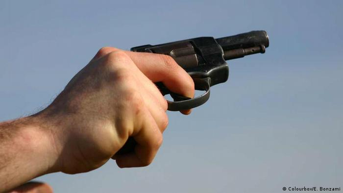 CCJ do Senado aprova posse de arma de fogo por morador de área rural